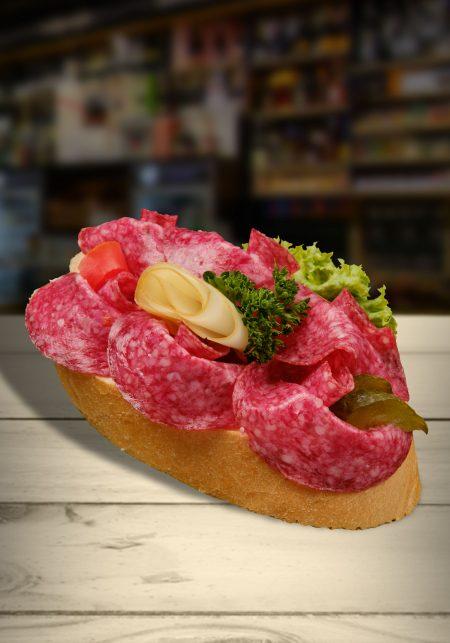 Salámový chlebíček