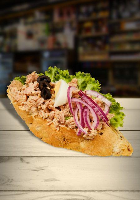 Tuniakový chlebíček